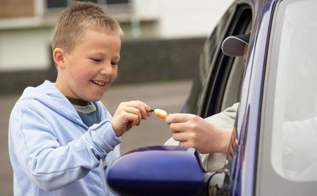 Как защитить ребенка от маньяков и прочих плохих взрослых на улице