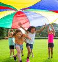 Во что поиграть с ребенком на улице? Несколько вариантов веселых игр