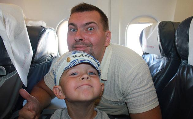Несколько ценных советов, чтобы полет с ребенком не превратился в кошмар