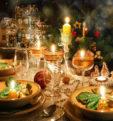 Яркие и оригинальные примеры как украсить стол на Новый год