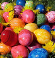 Как  и чем  покрасить  яйца на пасху 2019. Своими руками в домашних условиях